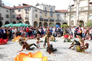 Danza delle rose - Piazza dell'Annunziata, Venaria Reale - Segato Pietro
