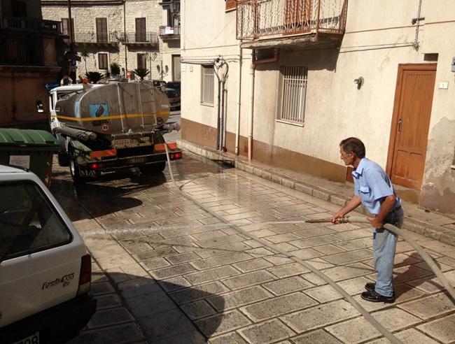pulizia-straordinaria-delle-vie-principali-del-paese1